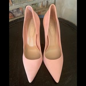 Aldo brand non leather pink pointy high heels.